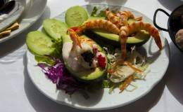 04_aguacate con gambas